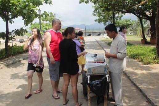Siblings with Manong Sorbetero
